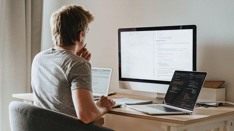 Reversibilidad y desconexión digital: los puntos más cuestionados por los empresarios de la ley de teletrabajo