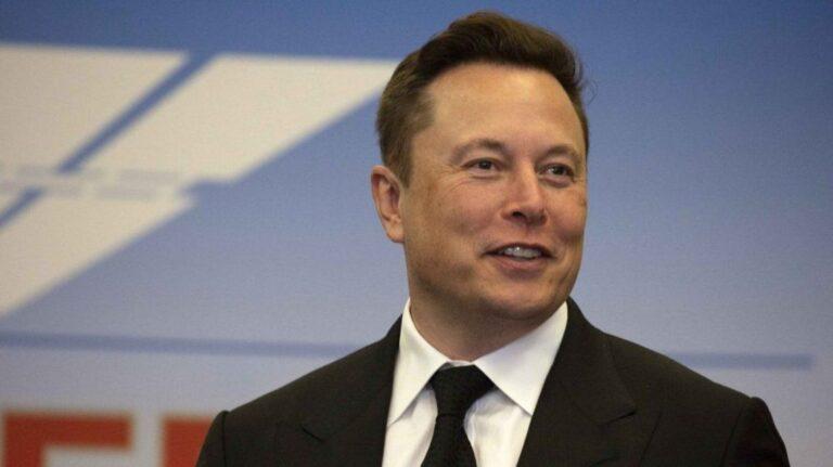 Elon Musk perdió más de 15 mil millones de dólares en un día y dejó de ser la persona más rica del mundo