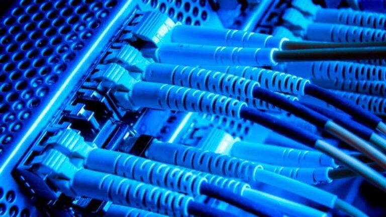 El Gobierno autorizó nuevos aumentos en los servicios de Internet, TV por cable y telefonía fija